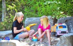 spielplatz-sand-spielen