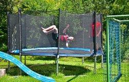 spielplatz-trampolin